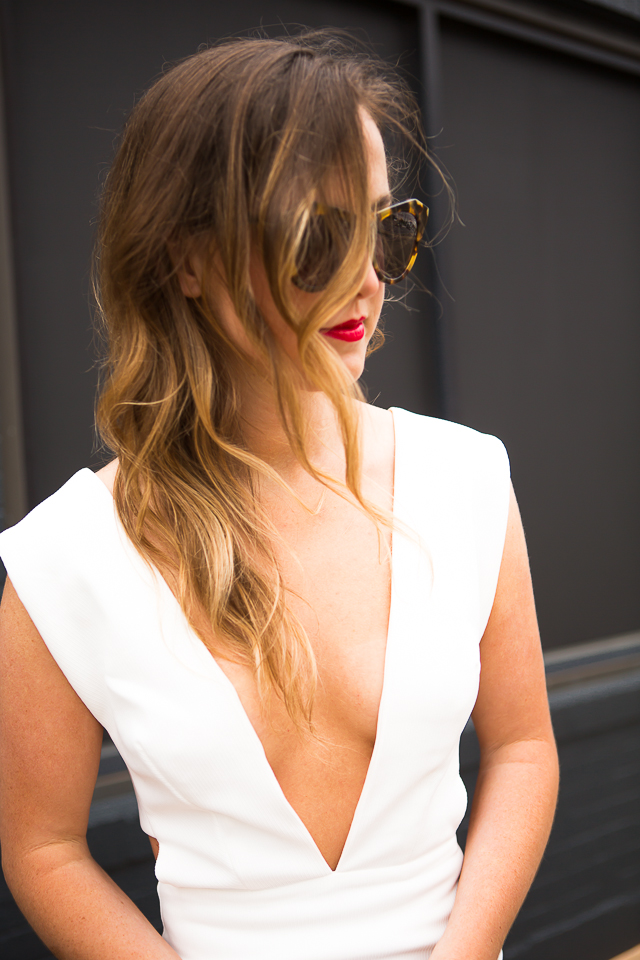 messy waves red lip
