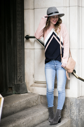 sidesmile-style-pink-and-navy-chevron-sweater-15
