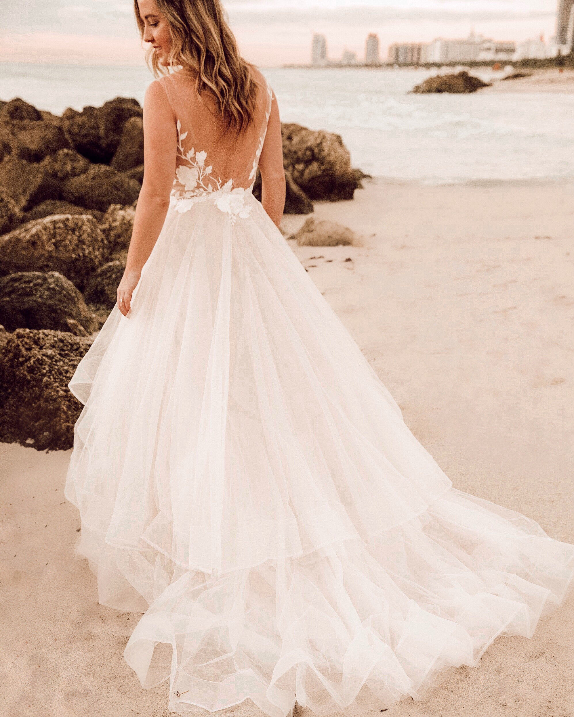 1fa96ea775 3 Tips for a Bridal Portraits Photoshoot on the Beach   SideSmile Style